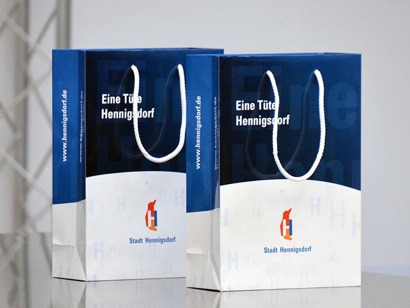 individuell-bedruckte-logo-tragetaschen-im-coporate-design-guenstig-online-bestellen