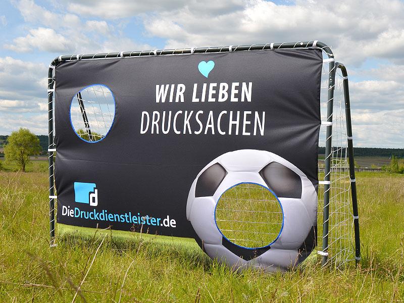 torwand-guenstig-online-bestellen-mit-eigenem-motiv-bedruckt-fuer-events-und-fussball-promotion