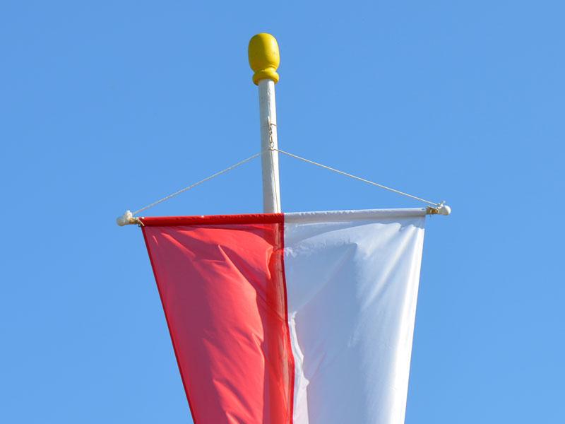 individuell-bedruckte-banner-fahne-fuer-kirchweih-guenstig-online-drucken-mit-eigenem-wappen-oder-logo